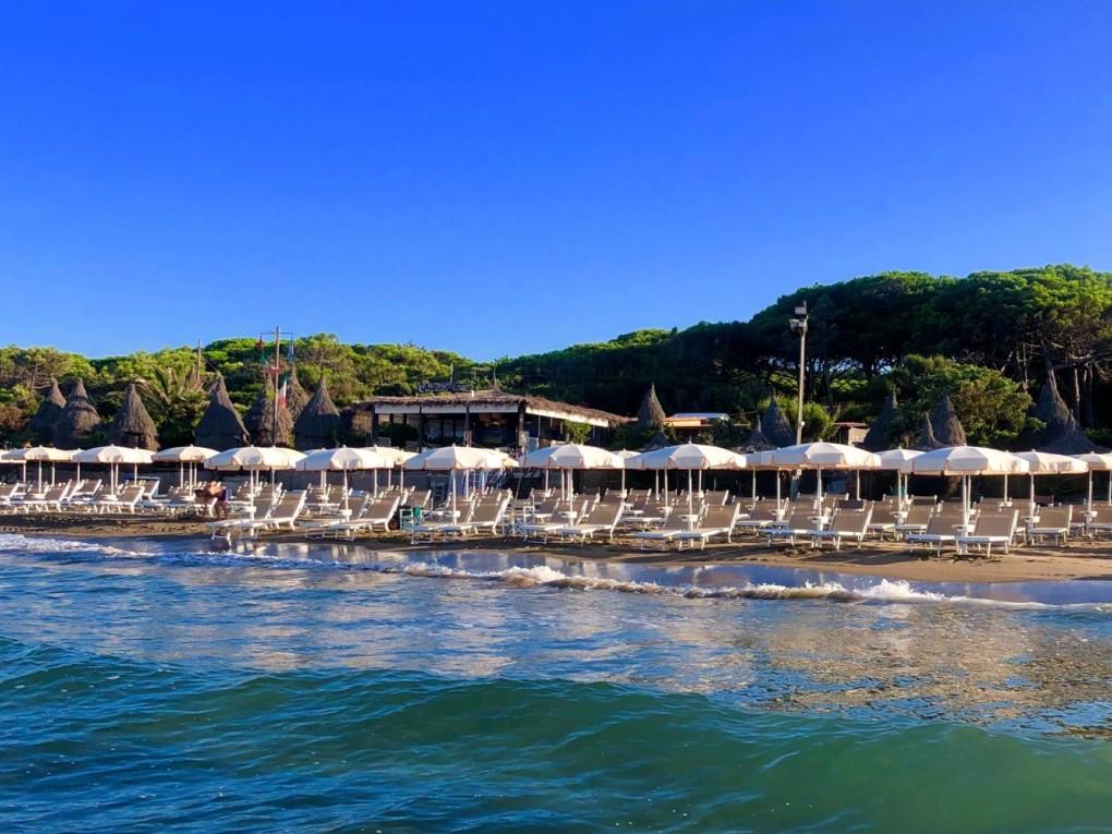Spiaggia-stabilimento-balneare-bagno-le-cannucce (1)