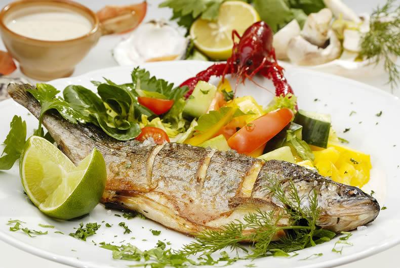 branzino-al-forno-ristorante-bagno-le-cannucce